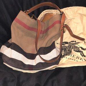 Ashby Burberry handbag 👜